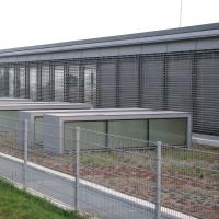 Dach Umkleidezone mit Substrat und Lichtkuppeln
