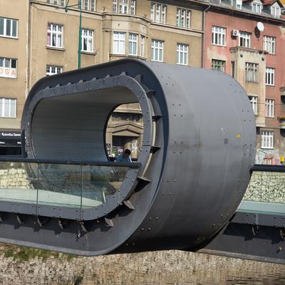 Eine neue Brücke
